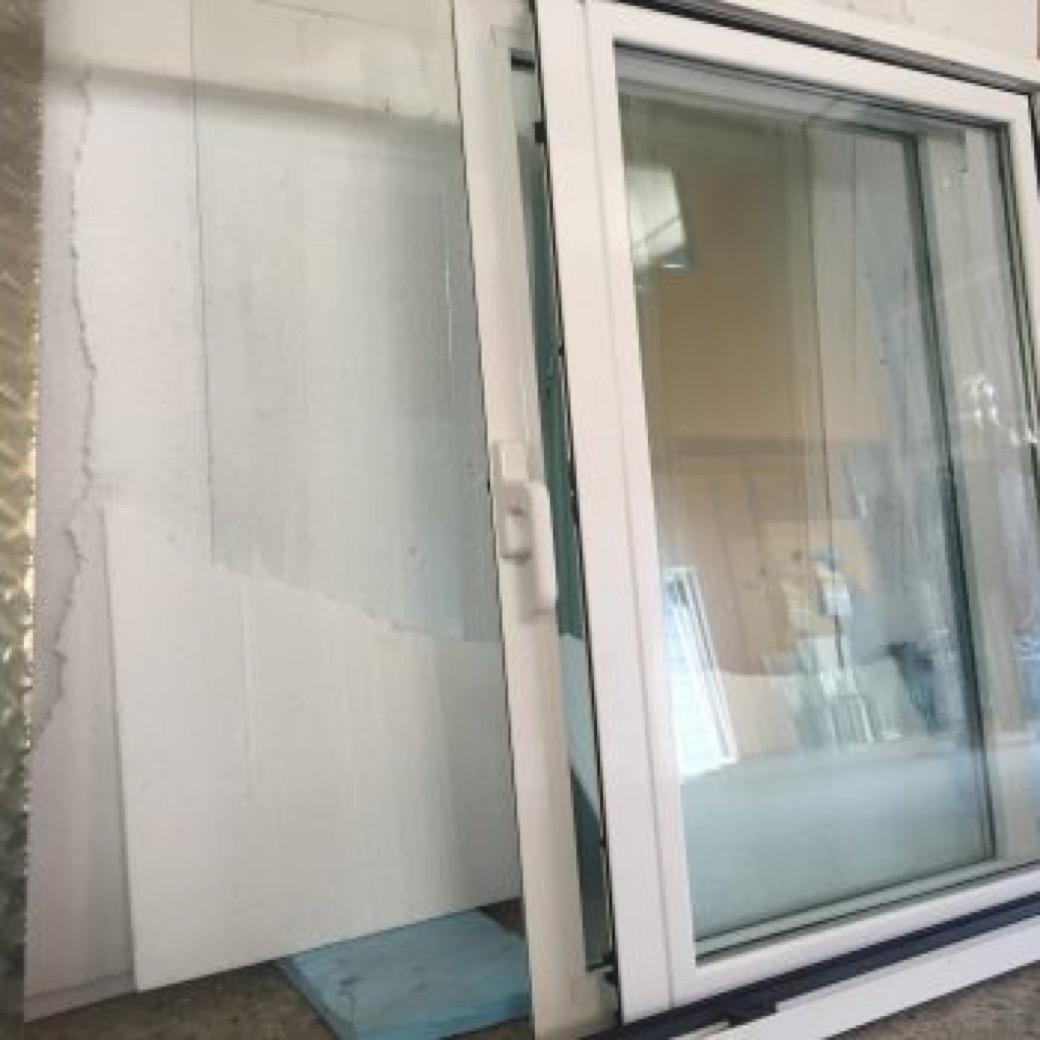 Servicios de instalación y reparación de cristalería. PVC, cristal, persianas, mamparas